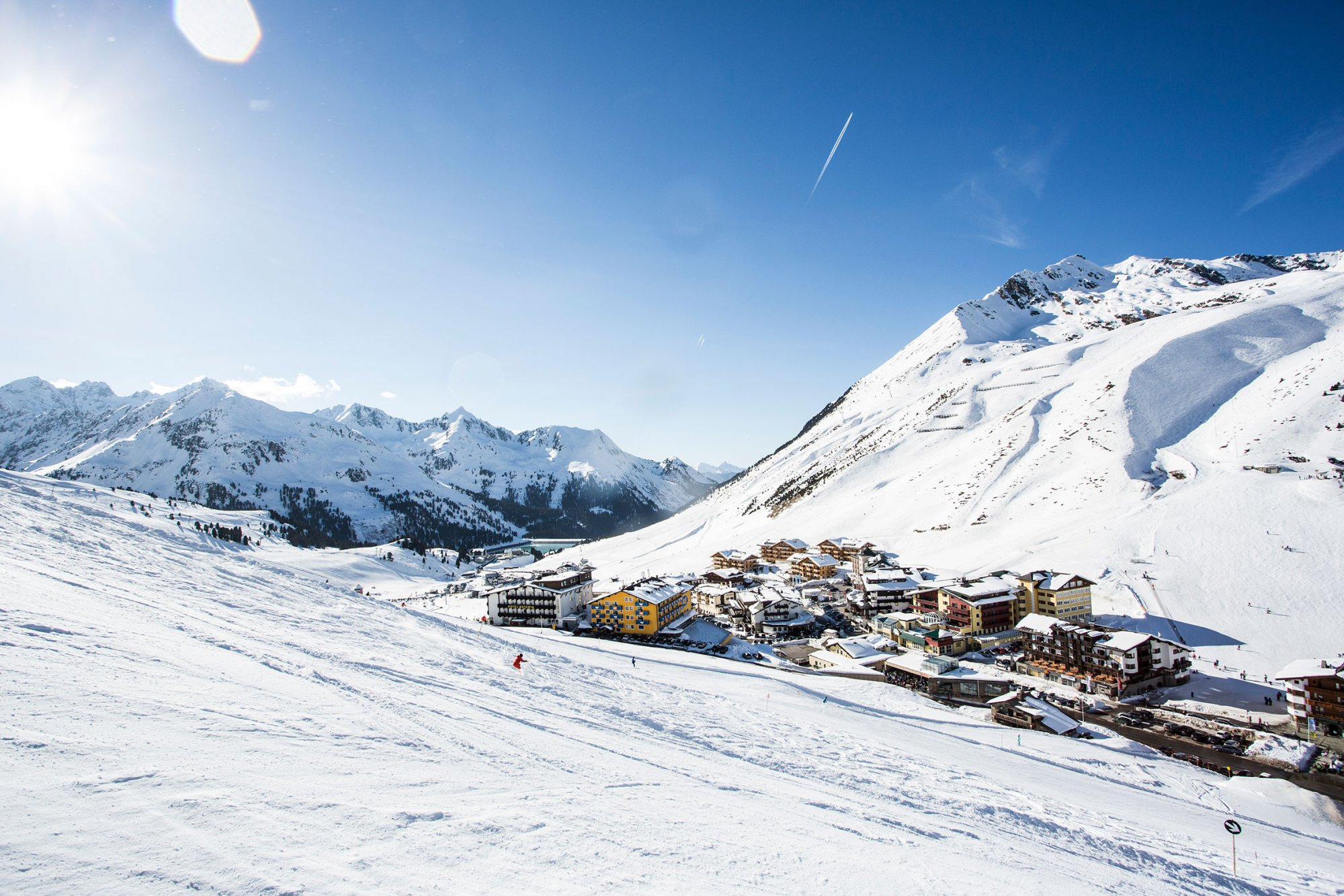 Kühtai, a snow-guaranteed ski area für winter holiday with ski ticket at the hotel Mooshaus, directly to the slope.