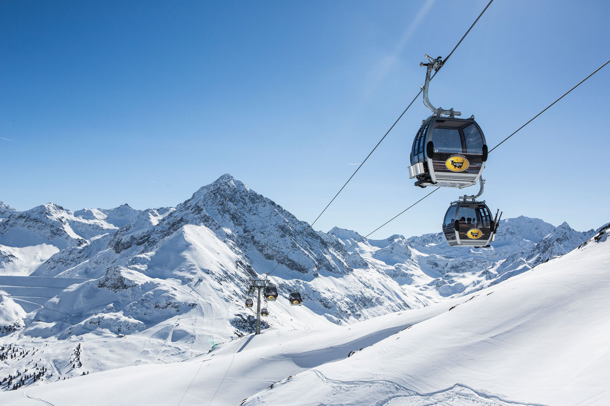 Cutting-edge lifts and cable cars with high capacity