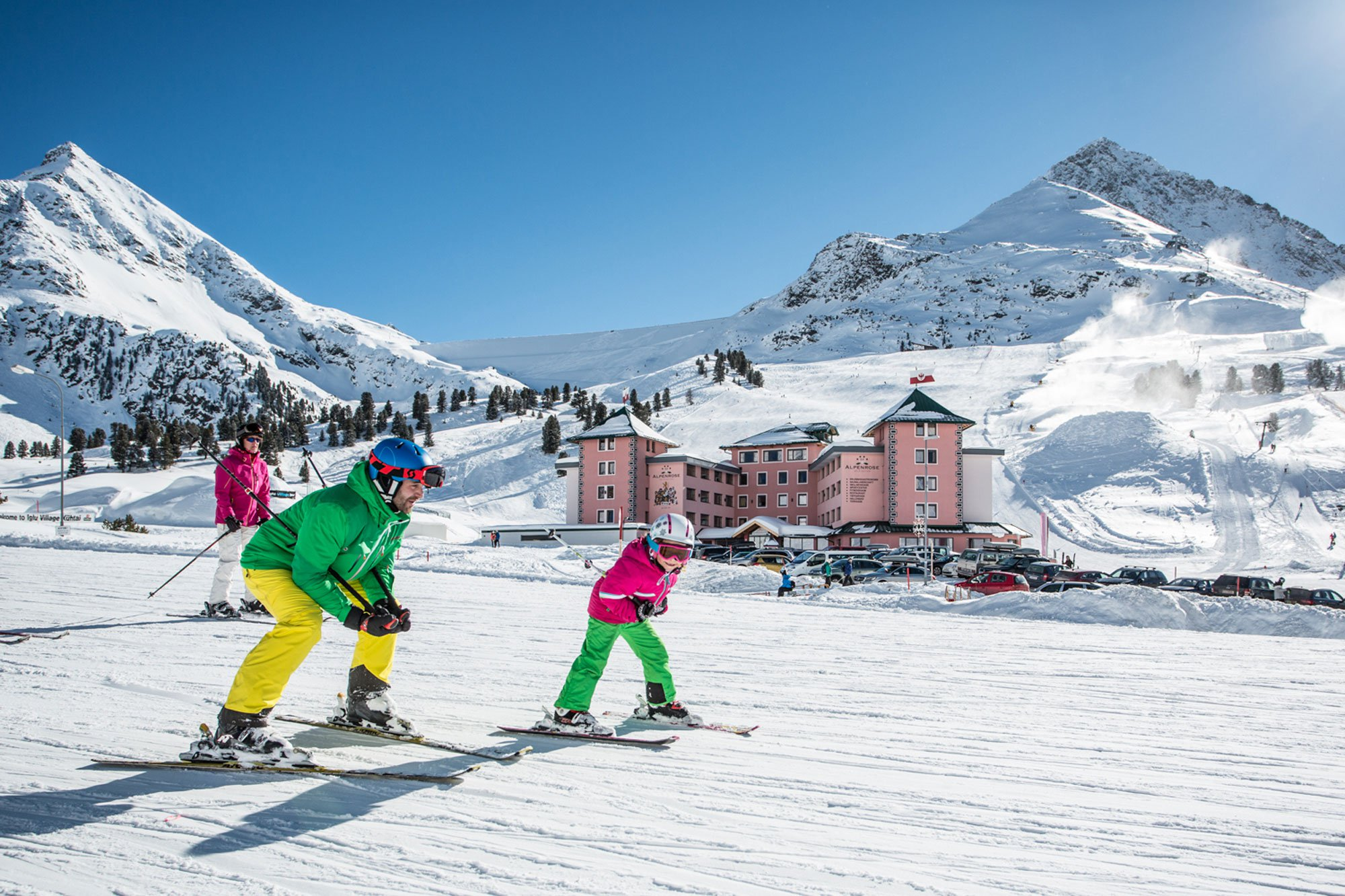 winter holiday for the whole family with ski courses and ski tickets